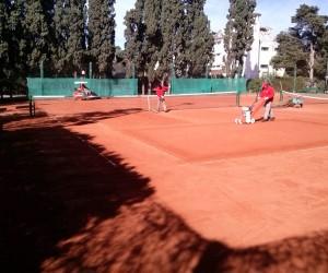 Jockey Club Córdoba   Tenis - tareas de mejora de superficie en la cancha 4