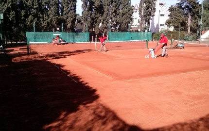 Jockey Club Córdoba | Tenis - tareas de mejora de superficie en la cancha 4