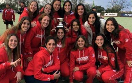 """La Primera """"A"""" de Damas participó del Torneo Jardín de la República en Tucumán donde obtuvieron la Medalla de Bronce."""